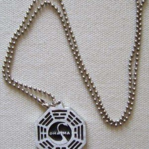 Collier Metal Lost projet Dharma Station Cygne