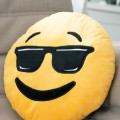 Coussin Emoji Smiley Cool Lunettes noires