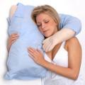 L'oreiller petit copain homme câlins