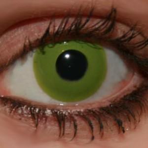 Lentilles de contact vertes